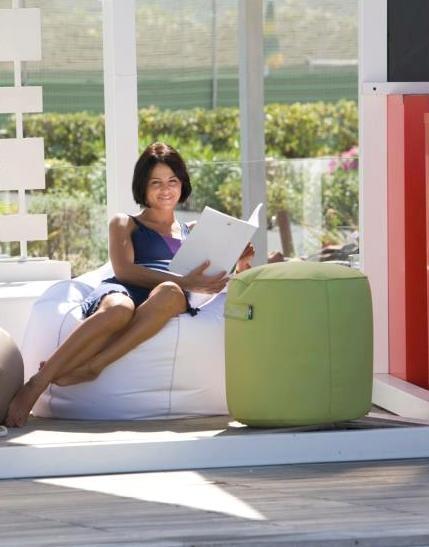 Sedute arredo da esterno pomodone hotelforniture for Sedute da esterno